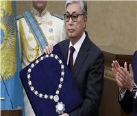 رئيس كازاخستان يمنح الدكتور خالد غانم مدير الإدارة بوزارة الأوقاف وسام الصداقة