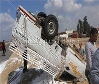 إصابة 15 عامل فى انقلاب سيارة بالشرقية