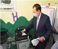 وزير البترول يُدلي بصوته في انتخابات مجلس الشيوخ 2020
