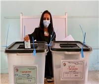 مايا مرسي تدلي بصوتها في انتخابات مجلس الشيوخ ٢٠٢٠