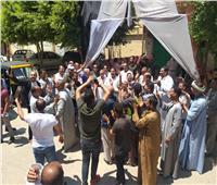 صور| رقص وزغاريد أمام لجنة حافظ إبراهيم بحلوان
