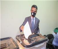 رئيس البريد يُدلي بصوته في انتخابات مجلس الشيوخ