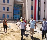 نائب وزير الإسكان يتفقد جامعة «العلمين الأهلية»