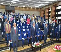 صور| وزير التعليم العالي ورئيس الجامعة يفتتحان أعمال تطوير طب الإسكندرية
