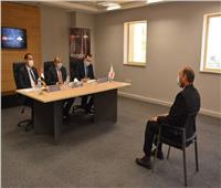 وزير التنمية المحلية يشارك بالمقابلات الشخصية لمتقدمي البرنامج الرئاسي للتنفيذيين