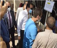 صور| وزير التعليم العالى يتفقد مكتب التنسيق المركزى بجامعة عين شمس