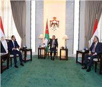 الرئيس السيسي يجتمع مع محافظ البنك المركزي لاستعراض التطورات المالية والنقدية