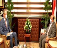 وزير التنمية المحلية يلتقى سفير بيلاروسيا بالقاهرة لبحث توسيع مجالات التعاون