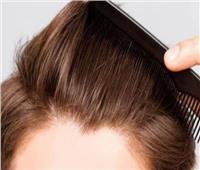 استشاري تجميل يوضح الحالات التي يُنصح لهم بزراعة الشعر