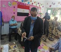 رئيس جامعة كفر الشيخ يدلي بصوته في جولة الإعادة لانتخابات الشيوخ