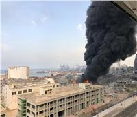 صور| حريق ضخم بمرفأ بيروت..والجيش يطالب المواطنين بإخلاء المنطقة