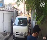 بالفيديو.. لحظة خروج جثمان عزمي مجاهد من المستشفى استعدادا لدفنه
