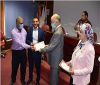 تكريمالمتميزين بمشروع محو الأمية في جامعة السادات