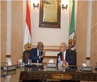 رئيس جامعة القاهرة يستقبل السفير السوداني لبحث ترتيبات عودة فرع الخرطوم