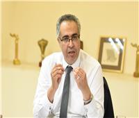 تجدد الثقة للفنان إسماعيل مختار رئيسا لـ«بيت المسرح»