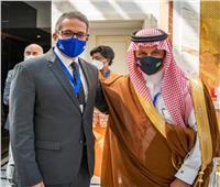 وزير السياحة يعقد لقاء ثنائي مع وزير السياحة بالسعودية