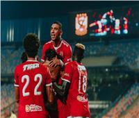 شاهد| احتفالات لاعبي الأهلي بعد التتويج بالدوري الـ42