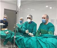 «الرعاية الصحية» تعلن نجاح جراحة استبدال صمام أورطي لمريض 95 عام