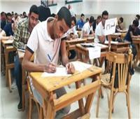 طلاب الدبلومات الفنية يؤدون الامتحان في أول أيام الدور الثاني