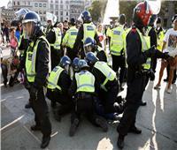شرطة لندن تفرق متظاهرين يحتجون على إجراءات العزل العام