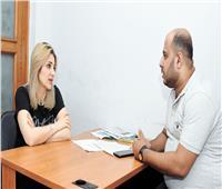 أول مذيعة تدافع عن حقوق الرجل: «الجنس الخشن متمرمط» والمرأة فى مصر تحتاج تأهيلاً