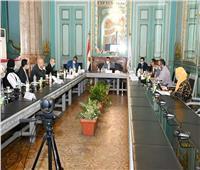 رئيس جامعة عين شمس يلتقي وفداً من بنك التنمية الصناعية