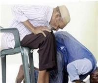 ما حكم صلاة النافلة جالسًا للقادر على القيام؟..«البحوث الإسلامية» يجيب