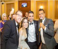 صور| محمود الليثي نجم زفاف «أحمد وإسراء»
