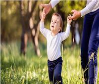 للأمهات الجدد.. 4 طرق تساعد طفلك على التسنين والمشي سريعا