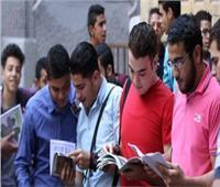 طلاب الدبلومات الفنية يؤدون الامتحان في خامس أيام الدور الثاني