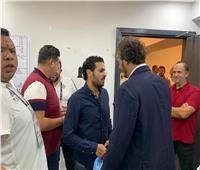 صور..ممدوح عيد يهنئ لاعبي بيراميدز بالثلاثية في شباك الإسماعيلي