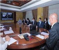 وزير النقل يبحث مع السفير الصيني تقدم الأعمال بمشروع أول قطار كهربائي في مصر
