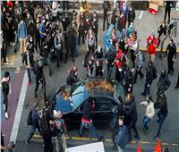 فيديو..شرطي يدهس رأس أحد المتظاهرين بدراجته في سياتل الأمريكية
