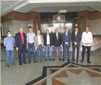 قيادات الجامعة تتابع سير العمل بمستشفى جامعة الأزهر التخصصي لحظة بلحظة