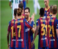 ليونيل ميسي يقود برشلونة أمام فياريال في أول ظهور لرونالد كومان