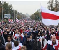 عشرات الآلاف يحتجون على رئيس روسيا البيضاء في «تنصيب شعبي» لمنافسته