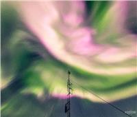 """تعرف على سبب ظهور أضواء قطبية خضراء وردية بسماء """"ترومسو"""" النرويجية"""