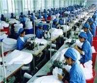 دراسة : النساء يسيطرن على 70% من حجم العمالة فى صناعة الملابس الجاهزة