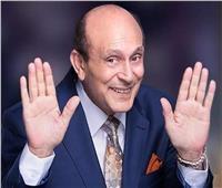 محمد صبحى يحتفل بمرور نصف قرن على مسيرته الفنية