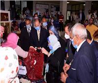 وزيرة التضامن ومحافظ أسيوط يقدمان 17 مشروعًا للمرأة المعيلة