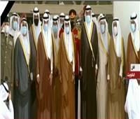 أمير الكويت الجديد يلتقط صورة تذكارية مع أعضاء مجلس الأمة