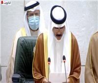 فيديو| لحظة بكاء أمير الكويت الجديد خلال أدائه اليمين الدستورية