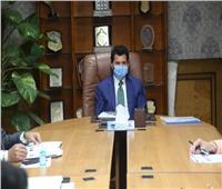 وزير الرياضة يجتمع بفريق عمل دعم المبادرات الشبابية «إيدك معانا»