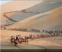 حكايات| «كورونا» يثير الغريزة البشرية القديمة.. السفر كالماء والهواء