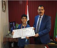 تكريم الفائز بالميدالية الفضية في «الأولمبياد المصري للمعلوماتية»
