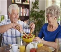 «استشاري تغذية» يقدم 7 نصائحللكبار في اليوم العالمي للمسنين