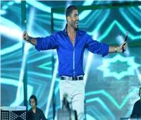 حفل الجلالة| خالد سليم يختتم فقرته بـ«عشنا قد ايه».. والجمهور يحتفل بـ«أعلام مصر»