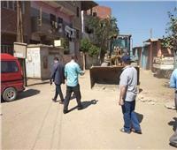 حملة لإزالة المطبات العشوائية بمدينة السنطة في الغربية