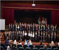 جامعة طنطا تقيم حفل تخرج للطلاب الوافدين وتكرم 71 طالبا