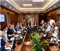 وزير الإسكان ومحافظ جنوب سيناء يفتتحان دار مناسبات بطور سيناء